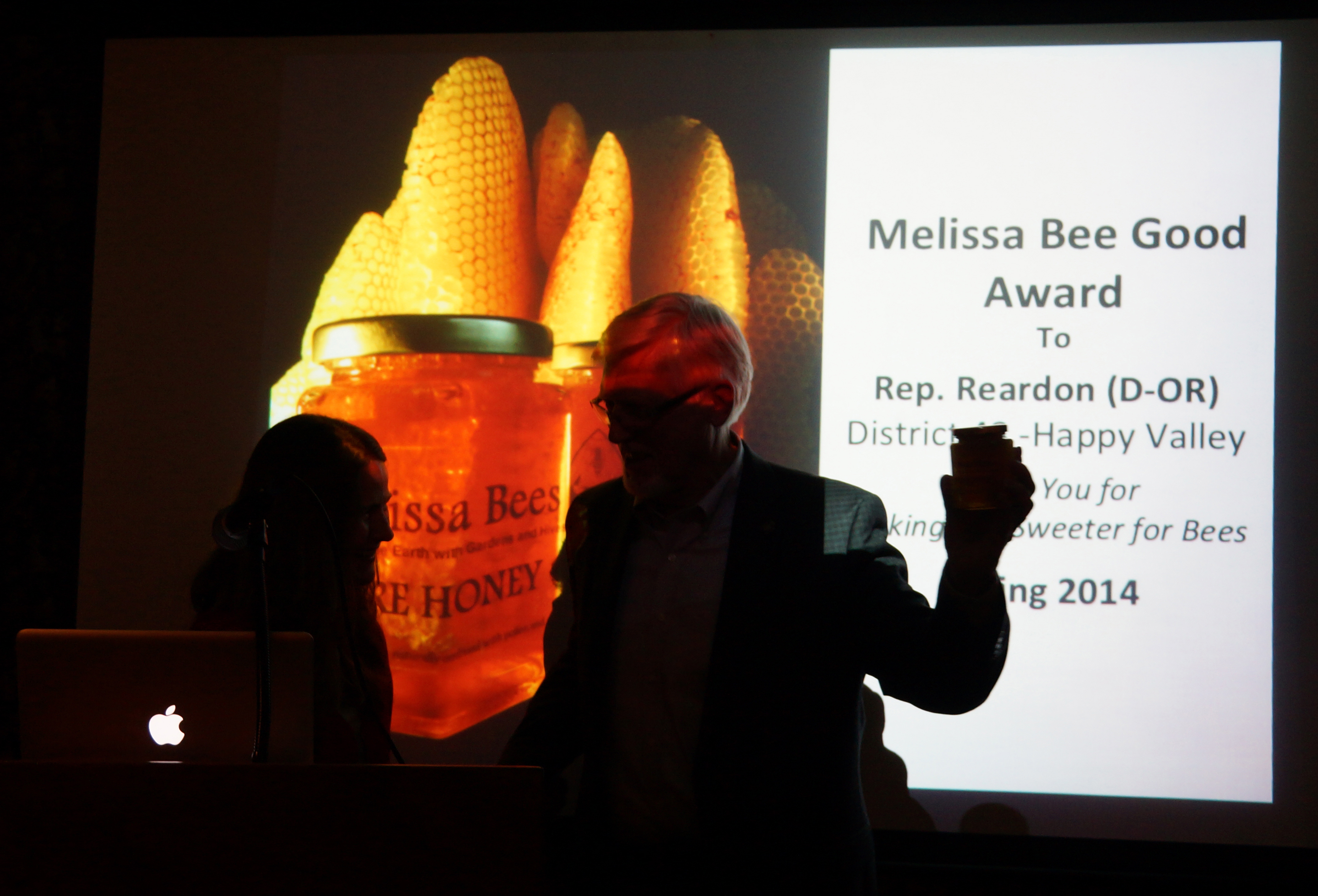 Melissa Bee Good Award Reardon Accepts